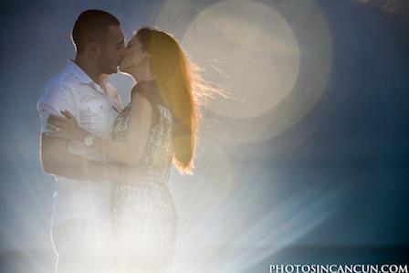 Engagement Photography at Aqua Cancun Mexico thumbnail