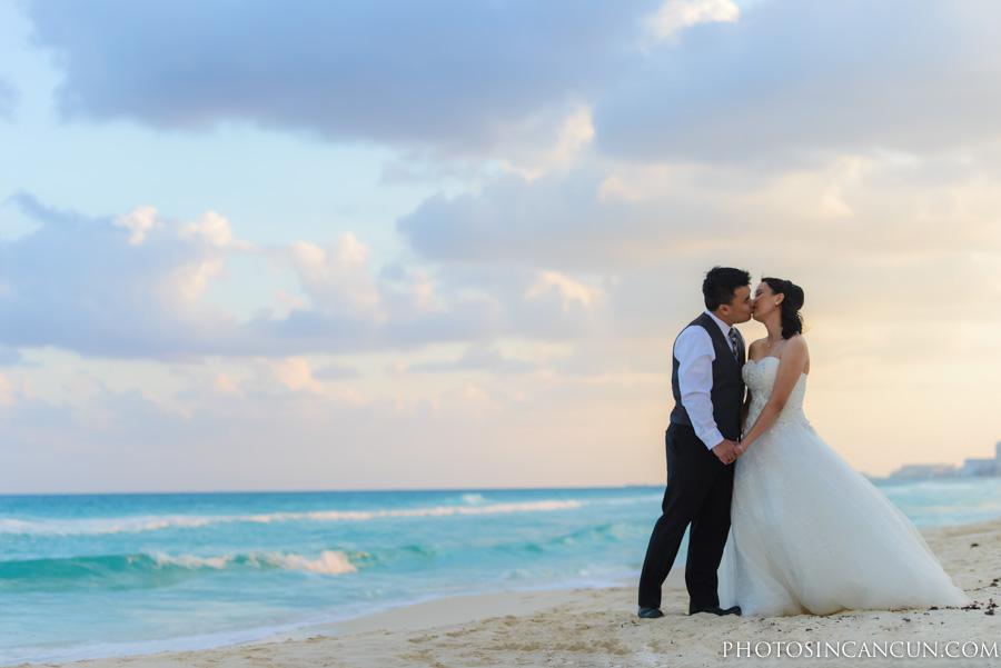Pre Wedding Sunset Photography Session In Cancun Mexico