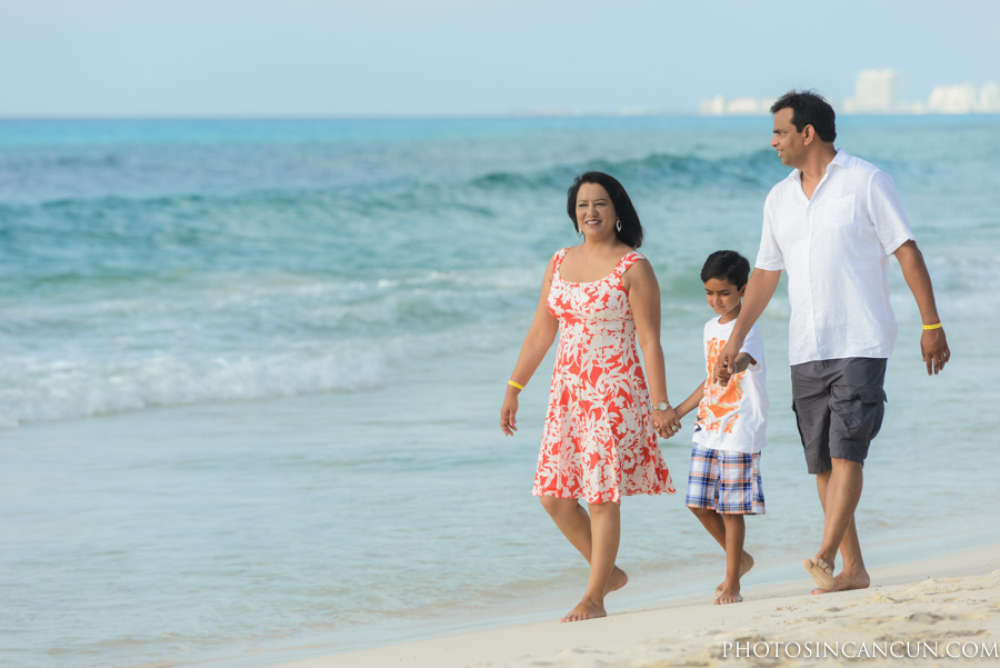 Friendly Family Photography in Cancun Mexico Available