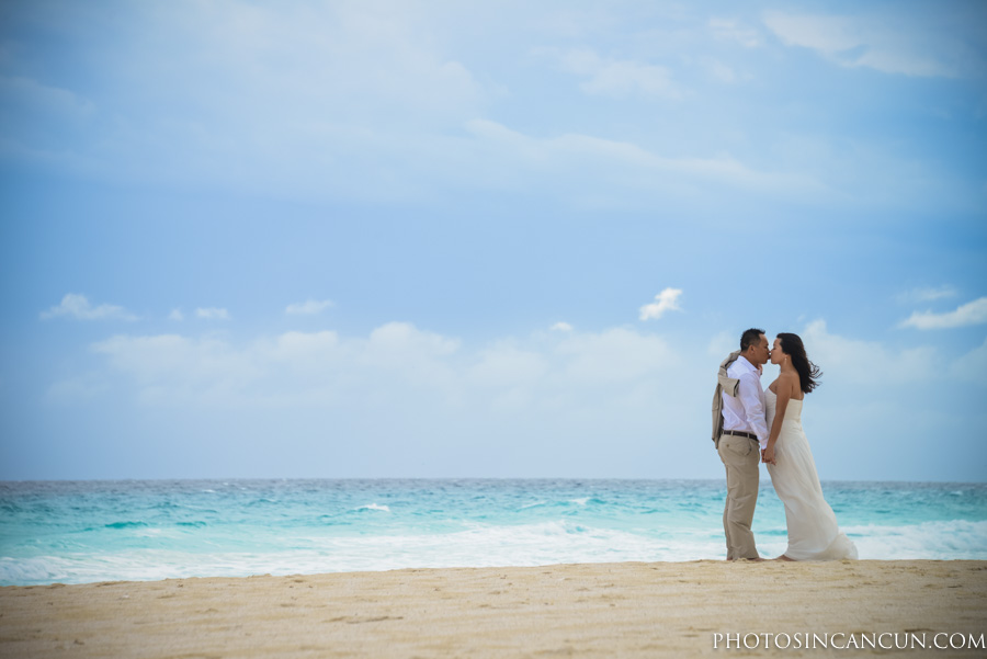 Cancun Beach Pre Wedding Photography Session