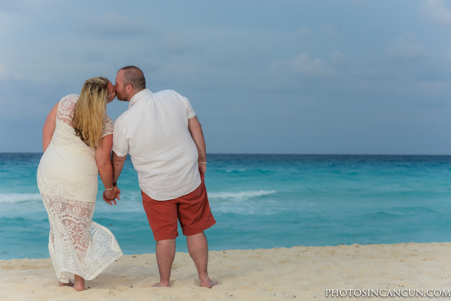 Friendly Family Beach Photographers in Cancun and Area