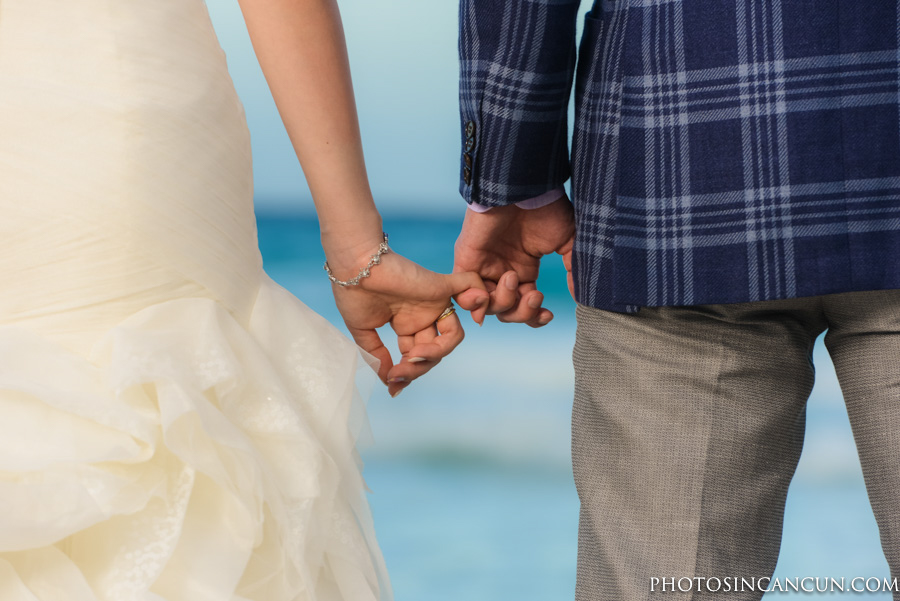 Take Your Wedding Dress to Cancun to do Photos