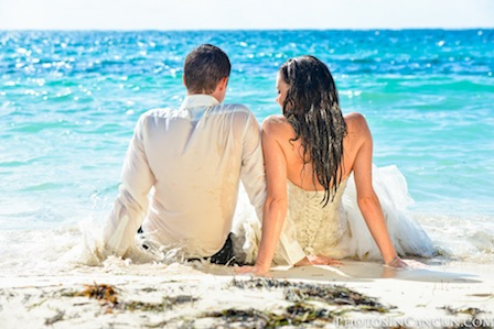 Trash The Dress Photography at the Beach with Underwater Photography thumbnail