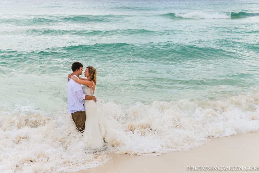 Photographer to work with in my Wedding Dress in Cancun