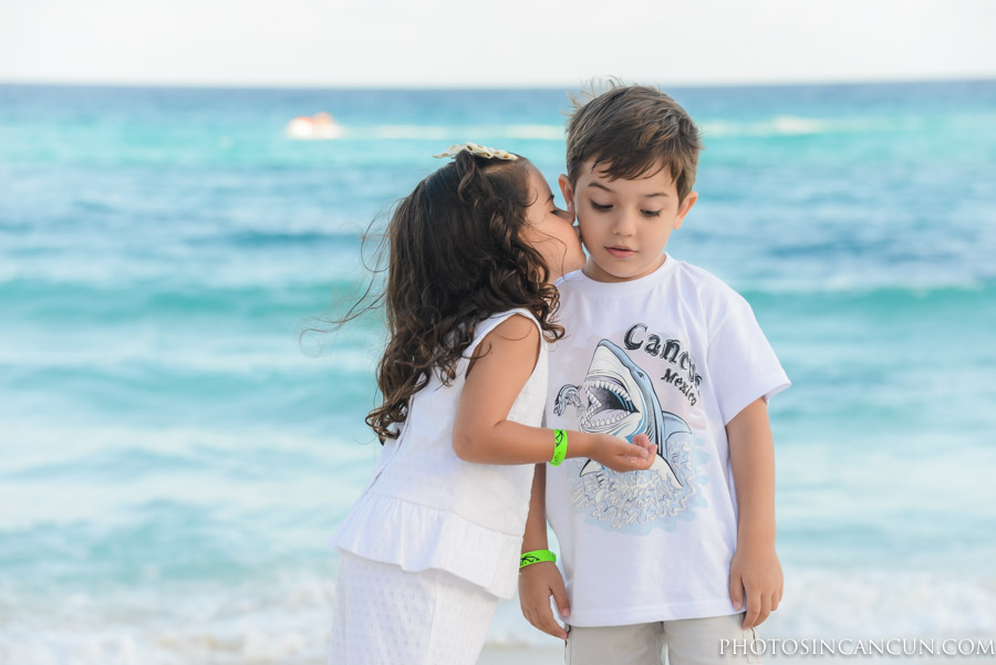Hard Rock Hotel Cancun – Family Friendly Photographer